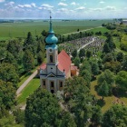 Kostol sv. Jána Nepomuckého z výšky