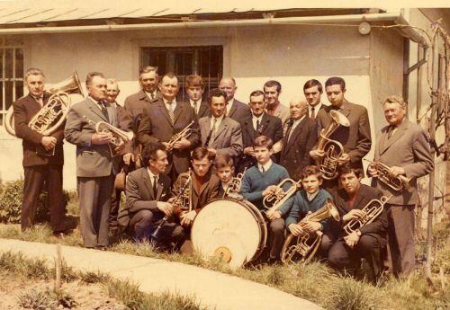 Členovia dychovej hudby v 60.-70. rokoch