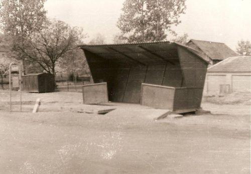 02 - Autobusová zastávka, 1969
