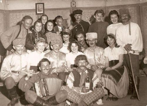 Divadelná hra Ukradnuté šťastie, 1960