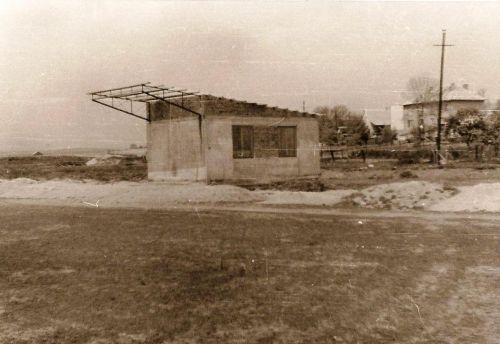 13 - Začiatok budovania šatní na ihrisku, 1969-70