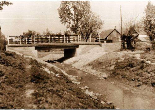 14 - Most cez Blatinu, v dedine, 1969