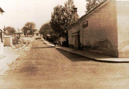 30 - Cesta na Záhumnie okolo KD, 1969