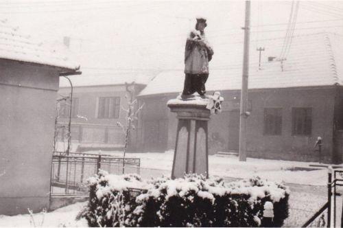 Za sv.Jánom ešte dom Réžiny Majovej-obchod- 16.1.1971